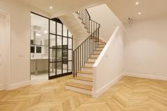 escaleras desde salón comedor vivienda