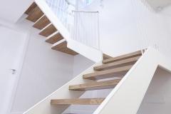 escaleras interios de la vivienda