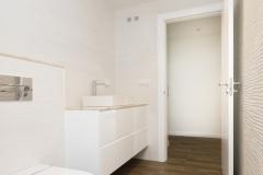 puertas suelos e interior habitación